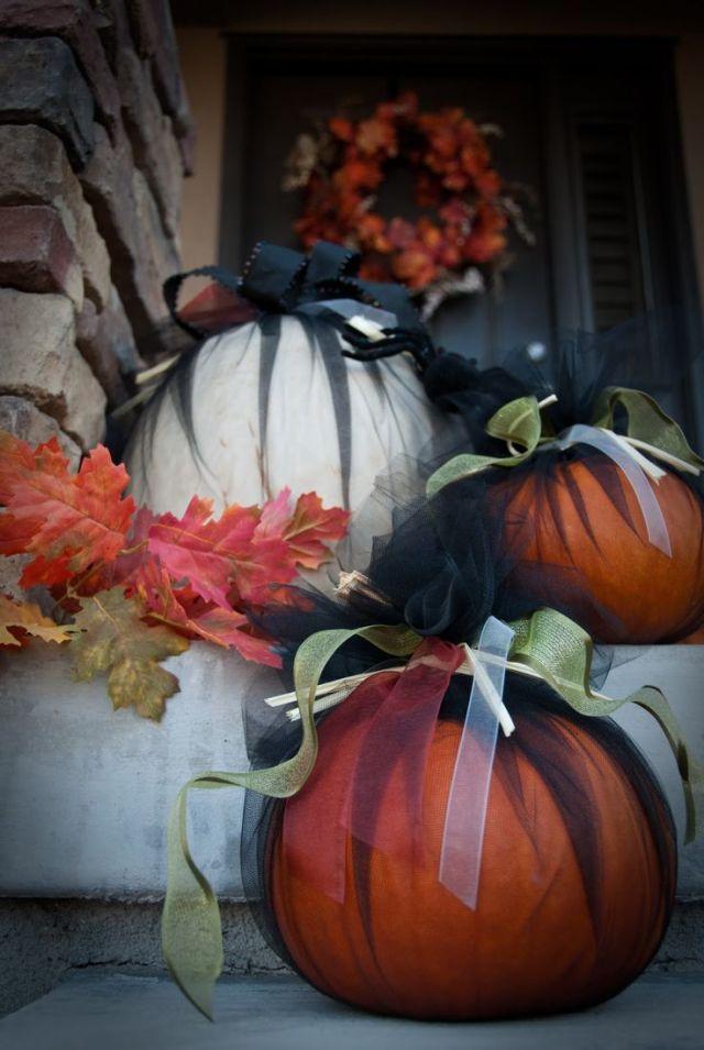 black tulle pumpkins